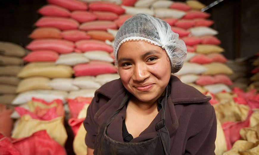 10988 Guatemala Coffee Sacks Woman 870