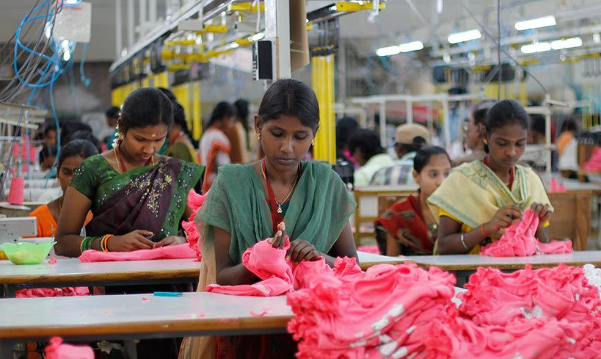 17278 Textile Stitching India 870