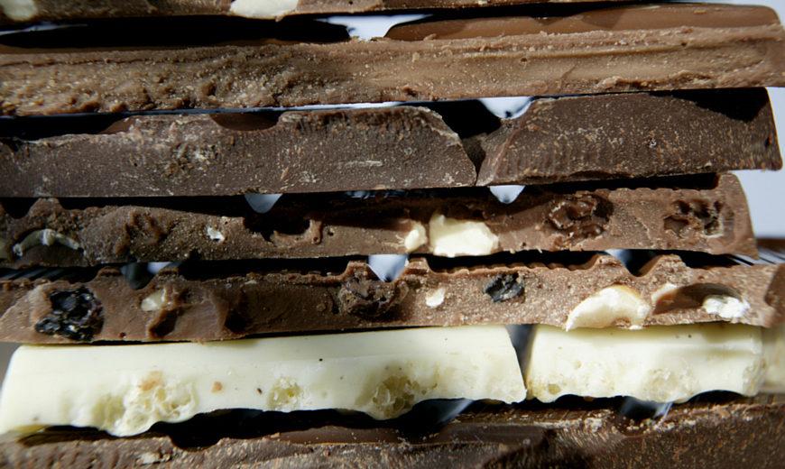 2438 chocolate closeup 870