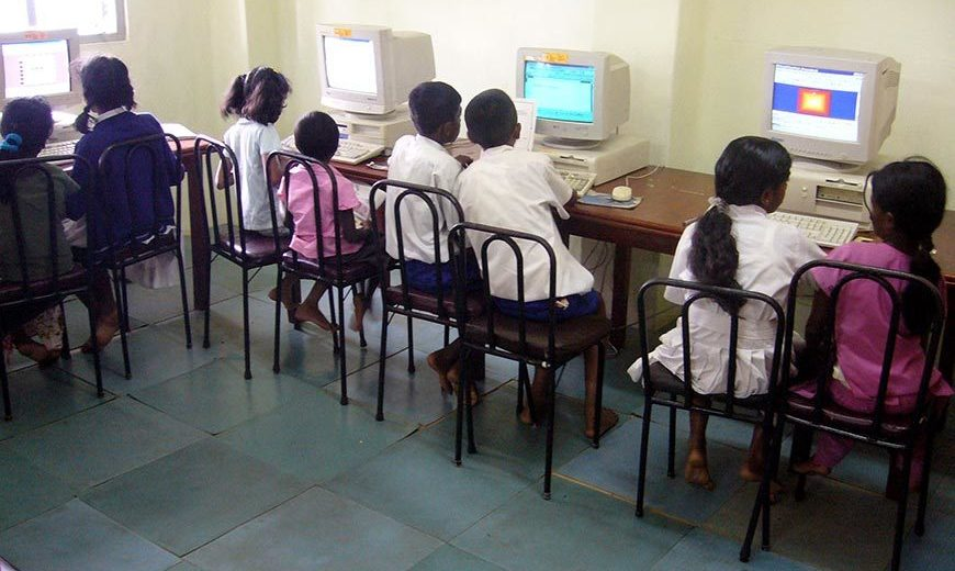7000 Stassen Children Learning Computers 870